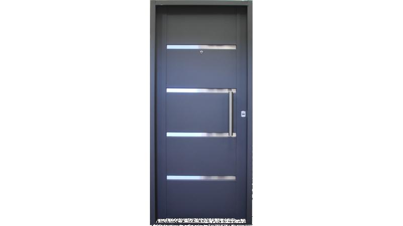 Puerta doble chapa inyectada con apliques de acero for Puertas de acero inoxidable